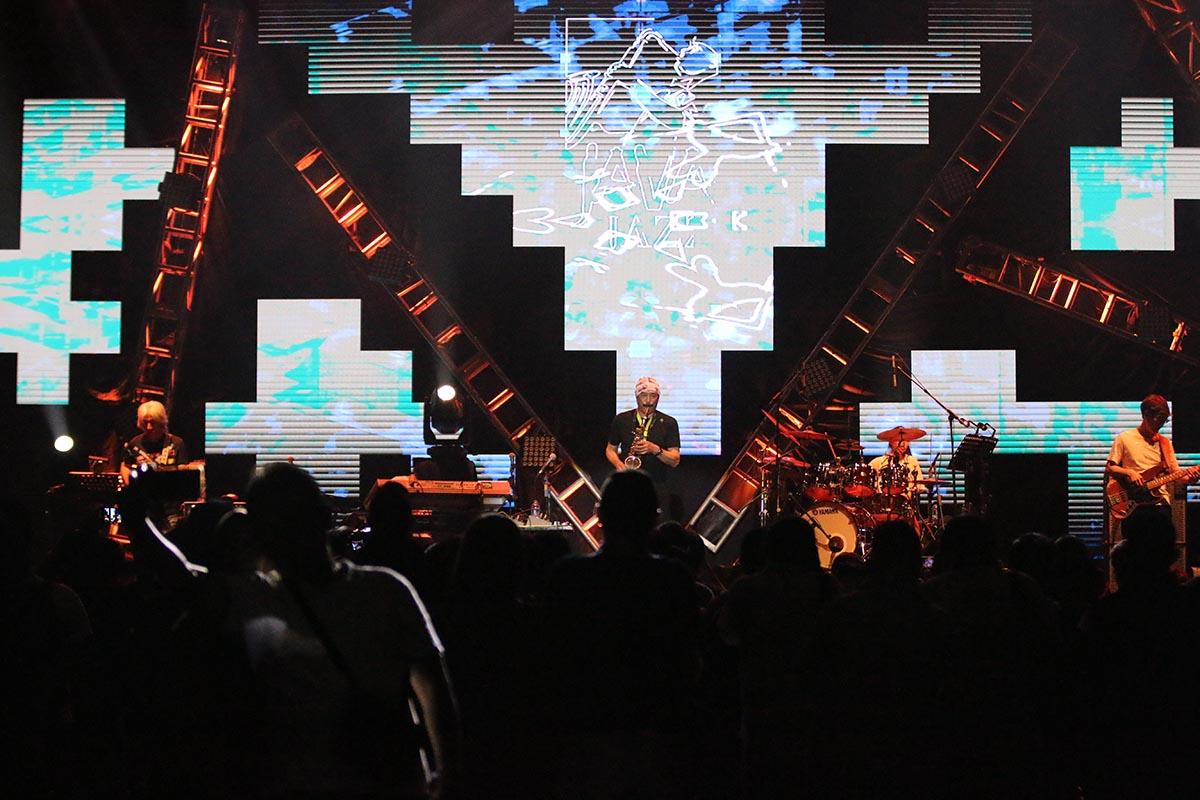 Meriahnya panggung T-Square di Java Jazz Festival 2020